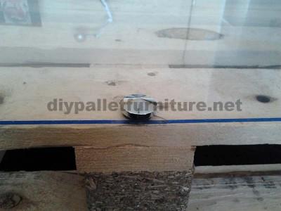 Istruzioni passo passo per costruire un tavolo salone con pallet6