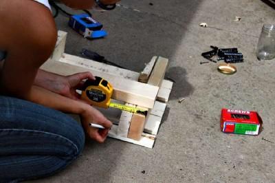 Istruzioni passo passo per costruire una scarpiera utilizzando pallets11