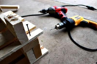 Istruzioni passo passo per costruire una scarpiera utilizzando pallets13