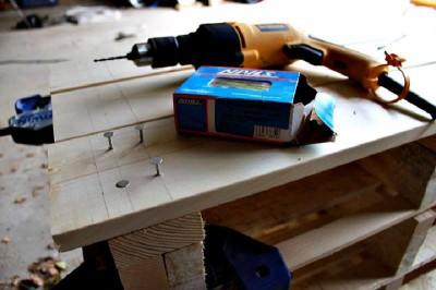 Istruzioni passo passo per costruire una scarpiera utilizzando pallets17
