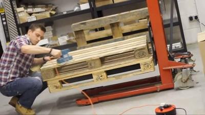 Istruzioni video di come fare un tavolo con 2 pallets1