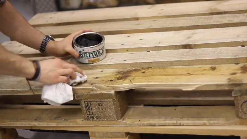 Istruzioni video di come fare un tavolo con 2 palletsmobili con ...