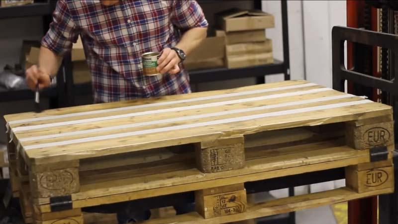Istruzioni video di come fare un tavolo con 2 ...