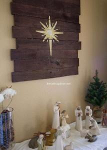 Le istruzioni su come fare un murale in legno di Natale con pallet7