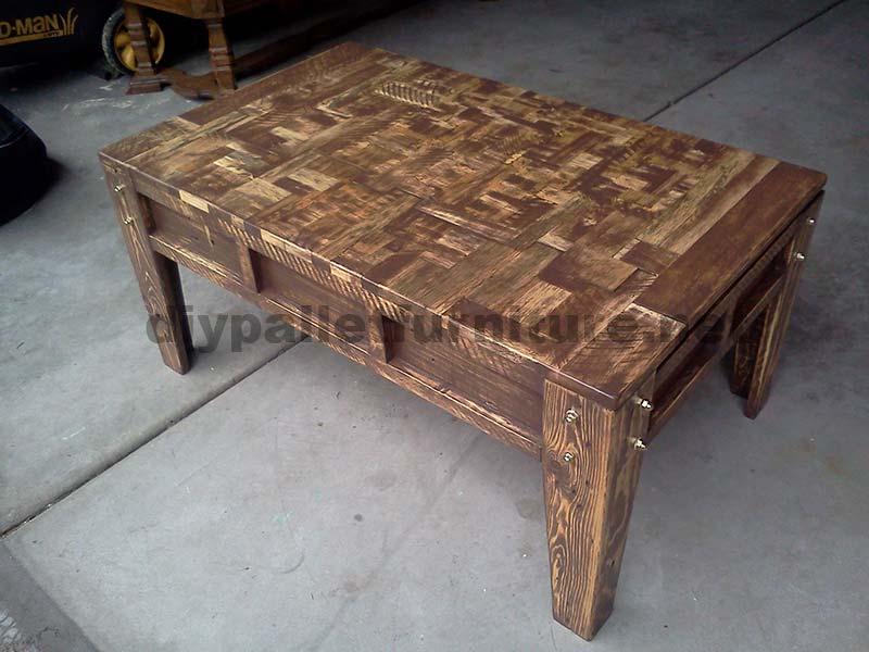 Soggiorno tavolo della sala fatta con piccoli pezzi di ...