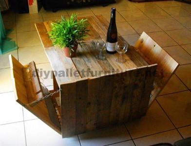 Table pliante auxiliaire pour les amateurs de vin, fait de palettes3