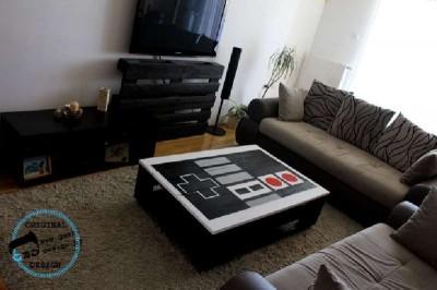 Un pallet tavolo NES, realizzato con 2 pallet8