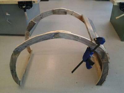 Istruzioni di come costruire una sedia a dondolo con pallet7