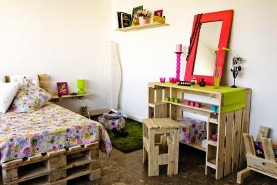 Camere Da Letto Giovani : Camera da letto dei giovani completamente arredata con