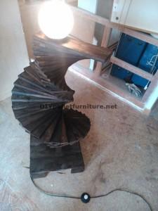 Lampada da terra stupefacente realizzato con pallet 5