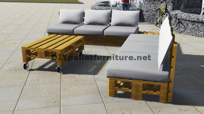 Progettazione di divano ad angolo con tavolo costruito con pallet 2