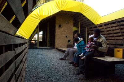 Slumtube pallet house in Sud Africa 2