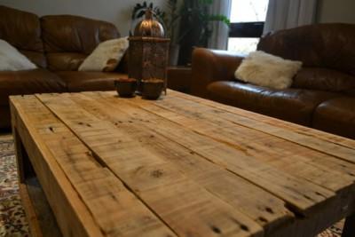 Tavolo rustico realizzato con palletmobili con pallet for Tavolo legno rustico
