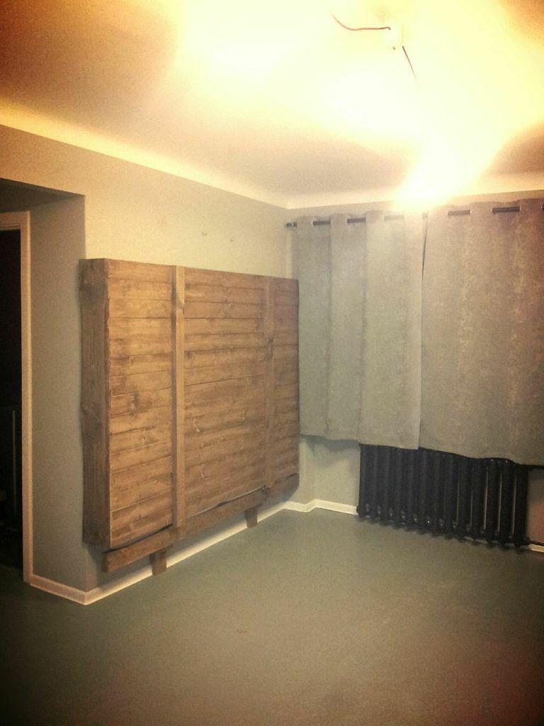 Letto muro fatto con pallet 1mobili con pallet mobili - Letto a muro ...
