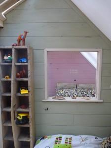 Piccola casa e camere da letto con pallet per i bambini 5