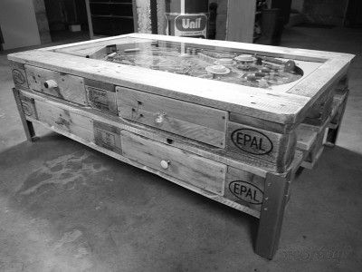 Tavolino con flipper integrata costruita con palletmobili - Table salon palette chantier ...