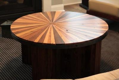 Tavolino di un fine e di ottimo design 1