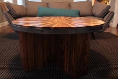 Tavolino di un fine e di ottimo design 3