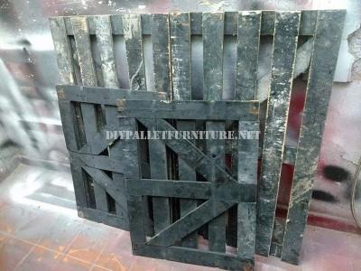 Divano costruito con una scatola di legno riciclato 3