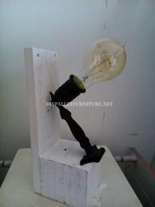 Lampade da comodino realizzati con pallet 5