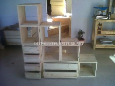 Scaffalatura modulare realizzato con pallet 4