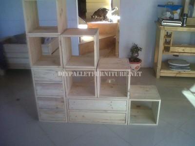 Scaffalatura modulare realizzato con pallet 5