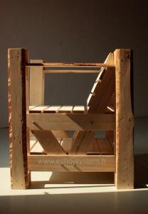 Design interessante 2 in 1 di una sedia e libreria con pallet 3