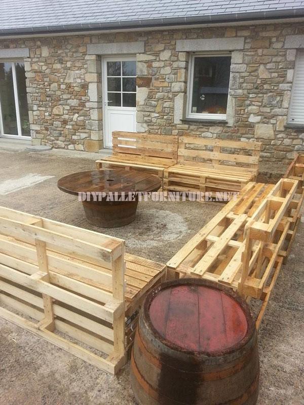 Gruppo sedie e tavolino per il giardinomobili con pallet mobili con pallet - Tavolino con sedia per bambini ...