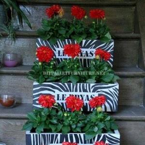 terrazza Vasi disegno : Piccoli fioriere decorative realizzate con tavole palletMobili con ...