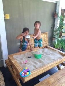Tavolo e sandbox di pallet 1