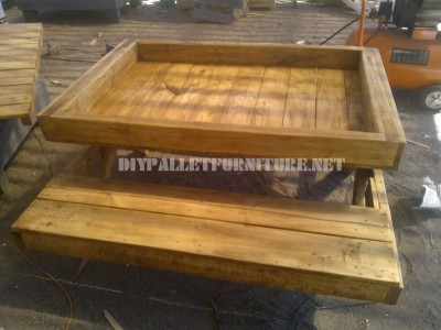 Tavolo e sandbox di pallet 4
