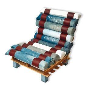 Poltroncina realizzata con palette e jeans riciclati 2