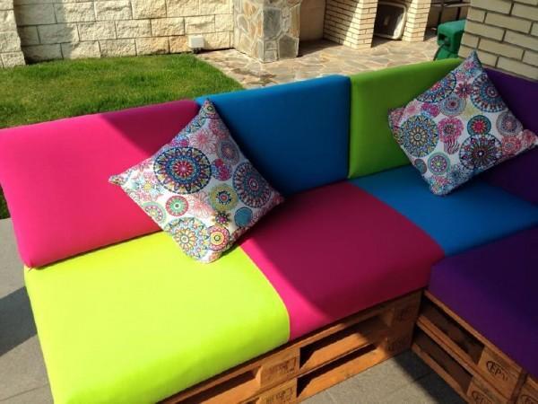 Divano colorato per il terrazzo 2