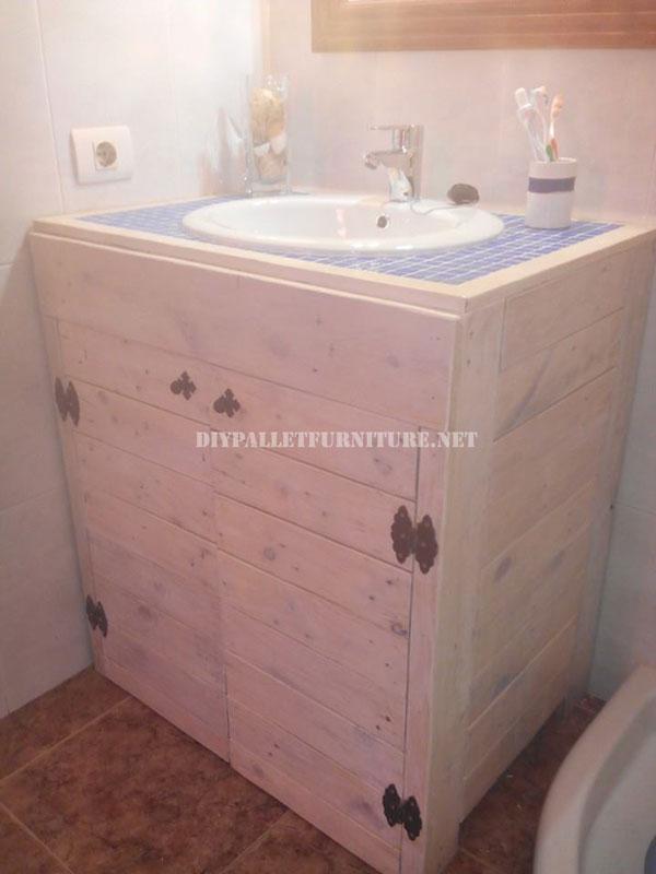 Gabinetto per il lavandino del bagno realizzato con pallet 1Mobili con Pallet...