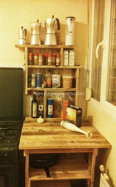 Mobili ausiliari per la cucina con i pallet 1