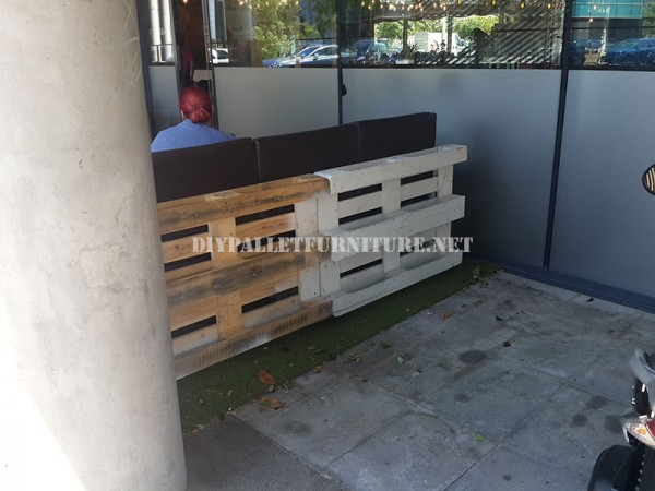 Recinzioni per una terrazza bar-ristorante a base di pallet 7