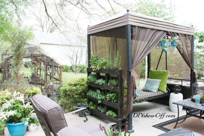 12 giardini verticali fantastici realizzati con - Giardini fantastici ...
