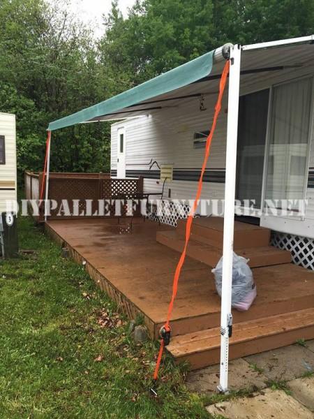 Come decorare la terrazza della vostra casa mobile con pallet 2