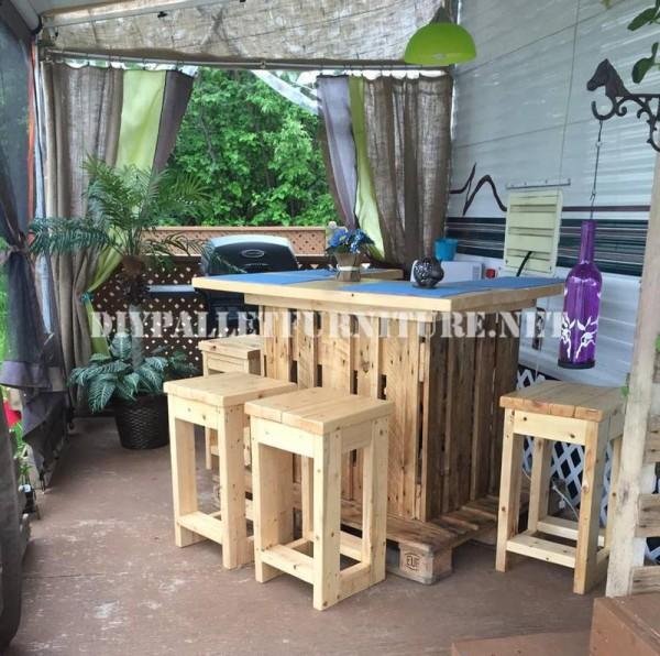 Come decorare la terrazza della vostra casa mobile con pallet 6