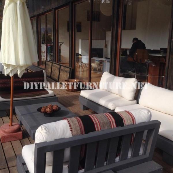 Mobili set con pallet per il terrazzo 3