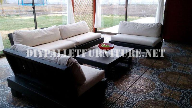 Mobili set con pallet per il terrazzo 6mobili con pallet for Mobili per il terrazzo