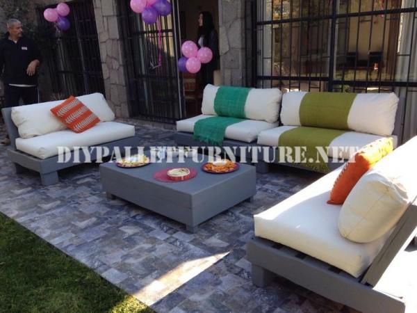 Mobili set con pallet per il terrazzo 8