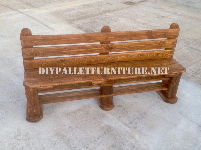 Panca e tavolo realizzati con pallet per il cortilemobili - Tavolo fai da te con bancali ...
