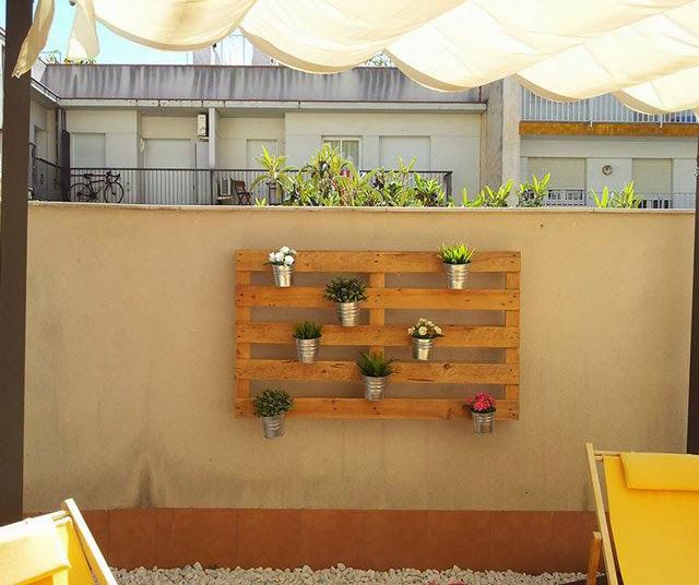 Quanto facile creare un giardino verticale con i pallet mobili con pallet mobili con pallet - Q hacer con palets ...