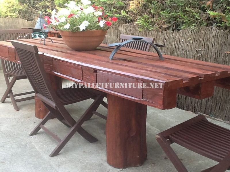 tavolo da giardino rusticomobili con pallet mobili con pallet. Black Bedroom Furniture Sets. Home Design Ideas
