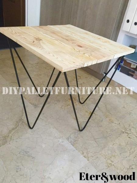 Tavolo design fatto di assi di pallet 2