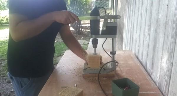 Video tutorial su come fare un candeliere con un blocco di legno 2