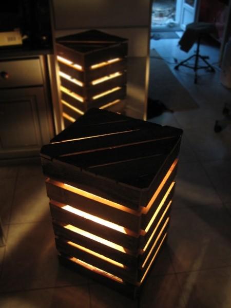 Lampade da comodino la forma di un cubo fatto con i pallet 2