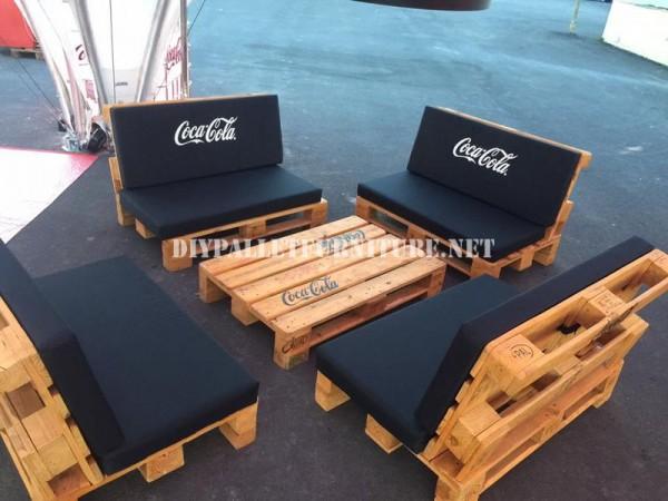 Bar-spazio progettato con pallet da Coca-cola 3