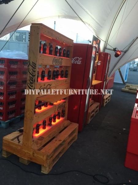 Bar-spazio progettato con pallet da Coca-cola 4